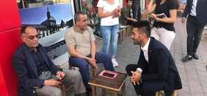 Bağımsız aday vatandaşlarla buluştu Diyarbakır Bağımsız Milletvekili Adayı Özkan Yıldırım, esnaf ve vatandaşları dinledi