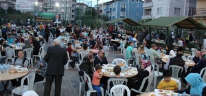Osmaneli Belediyesinin mahalle iftarları sürüyor