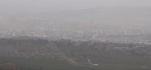 Sivas'ta tozlu hava etkili oldu