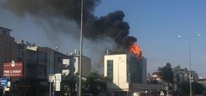 Antalya'da korkutan çatı yangını
