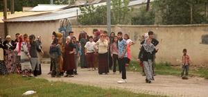 Erzurum'da meydan muharebesi gibi kavga Kız kaçırma meselesi yüzünden 200'e yakın kişi birbirine girdi TOMA ile müdahale edilen olayda 2'si polis 15 kişi yaralandı
