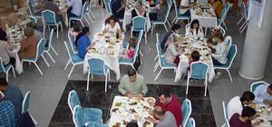 Yeni Hamle Eğitim Kurumlarından geleneksel iftar programı