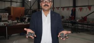 SPA taşları yurt dışına Konya'dan gönderiyor Konya Ovasında süs taşı olarak değerlendirilen taşların işlenerek ekonomiye kazandırılmasını amaçlayan SÜKOP atölyelerinde üretilen SPA ve birçok süs taşı yurt dışına gönderiliyor