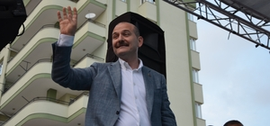 """Bakan Soylu: """"PKK'ya dağları dar ettik"""" İçişleri Bakanı Süleyman Soylu, Çalışma ve Sosyal Güvenlik Bakanı Jülide Sarıeroğlu'nun seçim ofisini açmak için geldiği Adana'nın Yüreğir ilçesinde halka hitap etti"""