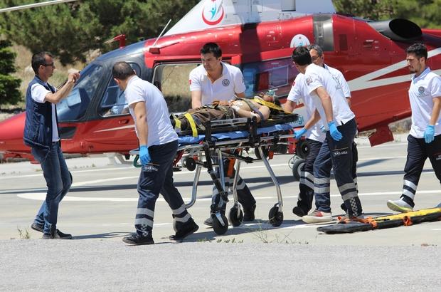 Geçirdiği epilepsi krizi sonrası düşerek yaralandı Konya'nın Hadim ilçesinde bayram öncesi annesinin yanına ziyarete giden ve geçirdiği epilepsi krizi sonrası düşerek yaralanan hasta, hava ambulansıyla Konya'ya getirildi