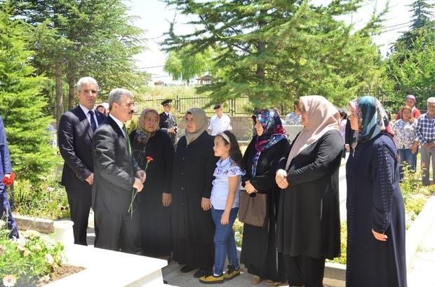 Ramazan Arifesinde protokolden şehitlik ziyareti