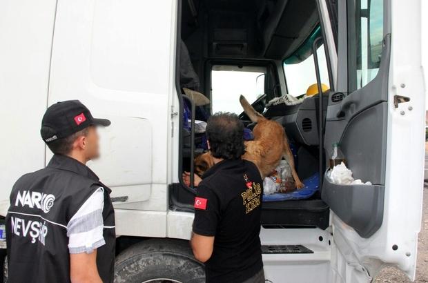 Nevşehir polisi uyuşturucuya geçit vermedi: 2 buçuk kilo bonzai ele geçirildi