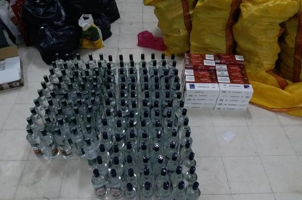 Samsun'da şüpheli araçtan kaçak içki ve sigara ele geçti