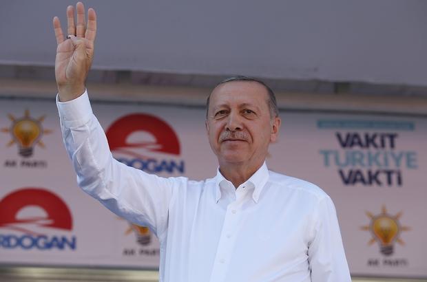 """Erdoğan'dan Cumhurbaşkanlığı adaylığı için yasal değişiklik mesajı Cumhurbaşkanı Recep Tayyip Erdoğan: """"Bundan sonra tutuklu olanlar da aday olamayacak. Yasal değişikliği seçim sonrası getireceğiz"""""""