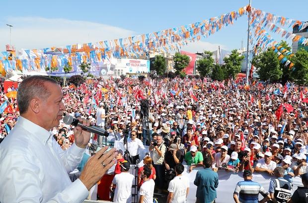 """Cumhurbaşkanı Erdoğan'dan Yalova'da yasal değişiklik mesajı Cumhurbaşkanı Erdoğan: """"Adaylık şartları arasına sadece hükümlü olmayı değil tutuklu olmayı da koyacağız"""" """"Bu hiç bir yerde yok, şimdi bizim birde Akıncı Uçağımız geliyor"""" """"24 Haziran'da birinci çıkamazsan siyasi hayatını bitirecekmisin? Varmısın? Diyemez. İşte bu hırs, hepsini bitirecek"""" , """"Yerli otomobil sürücüsüz otomobil konseptine uygun gelişiyor"""" """"Bunlar kendi aralarında da birbirlerine girmişler. Bay Kemal farklı bay Muharrem farklı konuşuyor"""""""