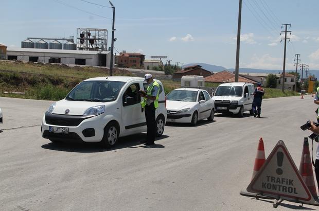 Yollardaki bayram trafiğine drone'lu denetim Kırmızı ışık ihalli yapan sürücülere ceza kesildi
