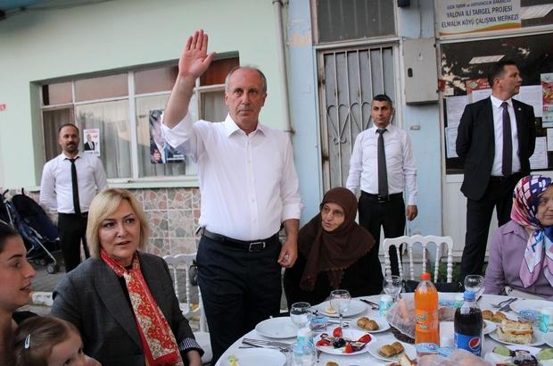 """Muharrem İnce, köyünde iftar yemeği verdi CHP Cumhurbaşkanı adayı Muharrem İnce: """"Seneye iftarı sizinle birlikte Çankaya'da yapacağız"""" """"Türkiye'nin yorgun bir adama değil, taze bir kana ihtiyacı var"""""""