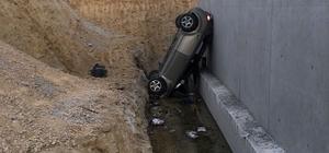 Aynı yolda ikinci araç da kanala düştü