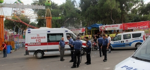 Lunaparkta bıçaklı, tüfekli dönme dolap kavgası: 5 yaralı Polis kavganın büyümesini önlerken 3 kişiyi gözaltına alındı