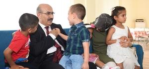 """Vali Demirtaş: """"Yaşlılarımızı, çocuklarımızı koruyup kollamaya devam edeceğiz"""""""