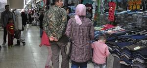 """Kadınlar alışverişte haklarını daha çok savunuyor TÜKDES Genel Başkanı Süleyman Bakal; """"Kadınlar hak arama konusunda erkeklerden daha önde"""" """"Haklı olduğunuz durumda, tüketicinin seçimlik hakları vardır"""""""