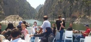 Şahinkaya Kanyonu, tekne sahiplerinin yüzünü güldürüyor