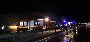 Karaman'da otobüs devrildi: 3 ölü, 40 yaralı Karaman'da kontrolden çıkarak devrilen otobüste 3 yolcu hayatını kaybetti, yaralıların tedavileri sürüyor