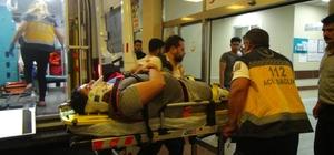 Kafa kafaya çarpışan iki otomobildeki 4 kişi yaralandı Şanlıurfa'da trafik kazası: 4 yaralı