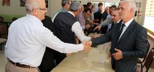 Gümüşhane İl Özel İdaresi'nin 20 yılı aşan geleneği devam ediyor Kurum çalışanları bayram tatilinin ardından ilk mesai gününde bayramlaştı