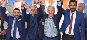 Saadet Partisi Kars Milletvekili Adayı Sezgin Yıldız, Kağızman İlçe Başkanı Mehmet Karataş ve 24 kişi partilerinden istifa ederek AK Parti'ye katıldı.