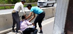 Antalya'da 2 kamyonet çarpıştı: 1 ölü, 6 yaralı Arkası açık kamyonetteki insanlar yola savruldu Yeğenlerinin öldüğünü öğrenen amcaları sinir krizi geçirdi 14 yaşındaki Muhammed'in siyah kuşak hayalleri feci kazayla son buldu
