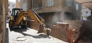 Haliliye'de metruk yapının yıkımı gerçekleştirildi