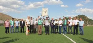 Arapgir'de futbol turnuvası renkli görüntülere sahne oldu