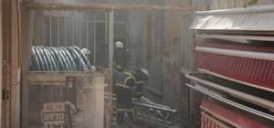 Depoda çıkan yangın için itfaiye seferber oldu İş yeri yanan esnafı vatandaşlar teselli etti