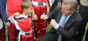 """Bakan Bak'tan Menbiç ve Kandil açıklaması Gençlik ve Spor Bakanı Osman Aşkın Bak: """"Ordumuz, Allah'ın izniyle Menbiç'e girmiştir"""" """"Diğer adaylar yıkmaktan bahsederken, biz ise yapmaya devam ediyoruz"""""""