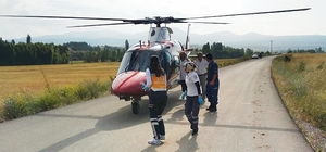 Yaralanan çocuk için helikopter ambulans yola indi
