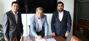 Eynal Kaplıcaları'na 4 yıldızlı otel Simav'ın Eynal Kaplıcaları'na yapılması planlanan 4 yıldızlı büyük otel için ihale sözleşmesi imzalandı