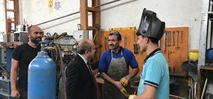 """Karadağ'dan esnaf turu AK Parti Çorum İl Başkanı Mehmet Karadağ; """"Çorum'da yatırım ortamını iyileştirerek, ekonominin önünü açtık"""""""