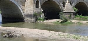 (Özel Haber) Kışın 'kabus' yaşatan Meriç ve Tunca'da sular çekildi Nehirlerin debileri düştü, kum adacıkları oluştu