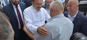 Bakan Veysel Eroğlu, Dinar ilçesinde çarşı esnafını ziyaret etti