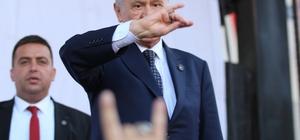 """MHP Lideri Bahçeli: """"Zillet ittifakından Türkiye Cumhurbaşkanı çıkmaz"""" Devlet Bahçeli, """"Çırpınırdı Karadeniz Bakıp Türk'ün Bayrağına"""" mitinginde vatandaşlara hitap etti: """"Pensilvanya neyi konuşsa CHP, HDP ve İYİ Parti onu tatbik ediyor"""" """"Allah'ın izniyle 24 Haziran'da Türkiye Cumhuriyeti'nin Cumhurbaşkanı ilk turda seçilecek ve o isim de Recep Tayyip Erdoğan olacaktır"""" """"24 Haziran'ın telafisi yoktur"""""""
