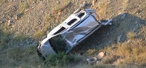 Hafif ticari araç uçuruma yuvarladı: 5 yaralı