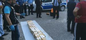 Tırın yedek yakıt deposundan 125,5 kilo eroin çıktı
