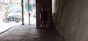 Otobüs durağında şüpheli paket paniği