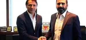 Sivasspor, Tamer Tuna ile 1 yıllık sözleşme imzaladı
