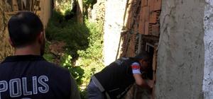 Polisten şok operasyon Metruk binalar didik didik arandı Narko-Sokak uygulamasında 2 kişi tutuklandı