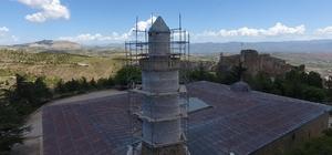 """Pisa Kulesi'nden daha eğik """"Eğri Minare""""de plastik restorasyon bitti"""