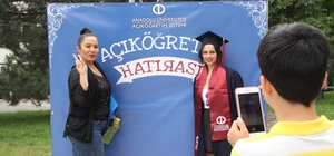 Açıköğretim birincileri buluştu Açıköğretim Sistemi programlarından başarı ile mezun oldular