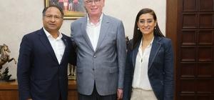 Türkiye'nin ilk Roman milletvekili Başkan Kurt'u ziyaret etti
