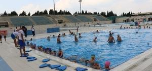 Yunusemre'de yüzme kursları başladı