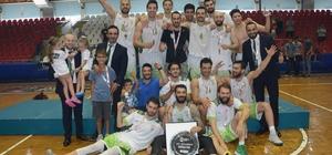 """Cabadak:""""Başarıyı hep birlikte yakaladık"""" Manisa Büyükşehir Belediyespor basketbolda mutlu sona ulaştı"""