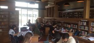 Büyükşehir Halk Kütüphanesi, gençlerin tercihi oldu
