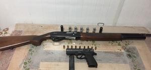 Samsun'da şüpheli araçtan tabanca ve tüfek ele geçti