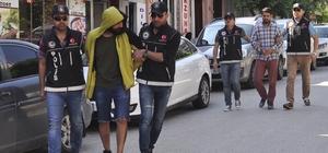 Narkotim zehir tacirlerine geçit vermiyor Yakalanarak gözatına alınan 7 şahıstan 2'si adliyeye sevk edildi
