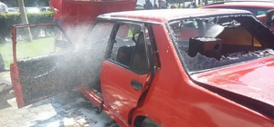 Park halindeki araç yandı